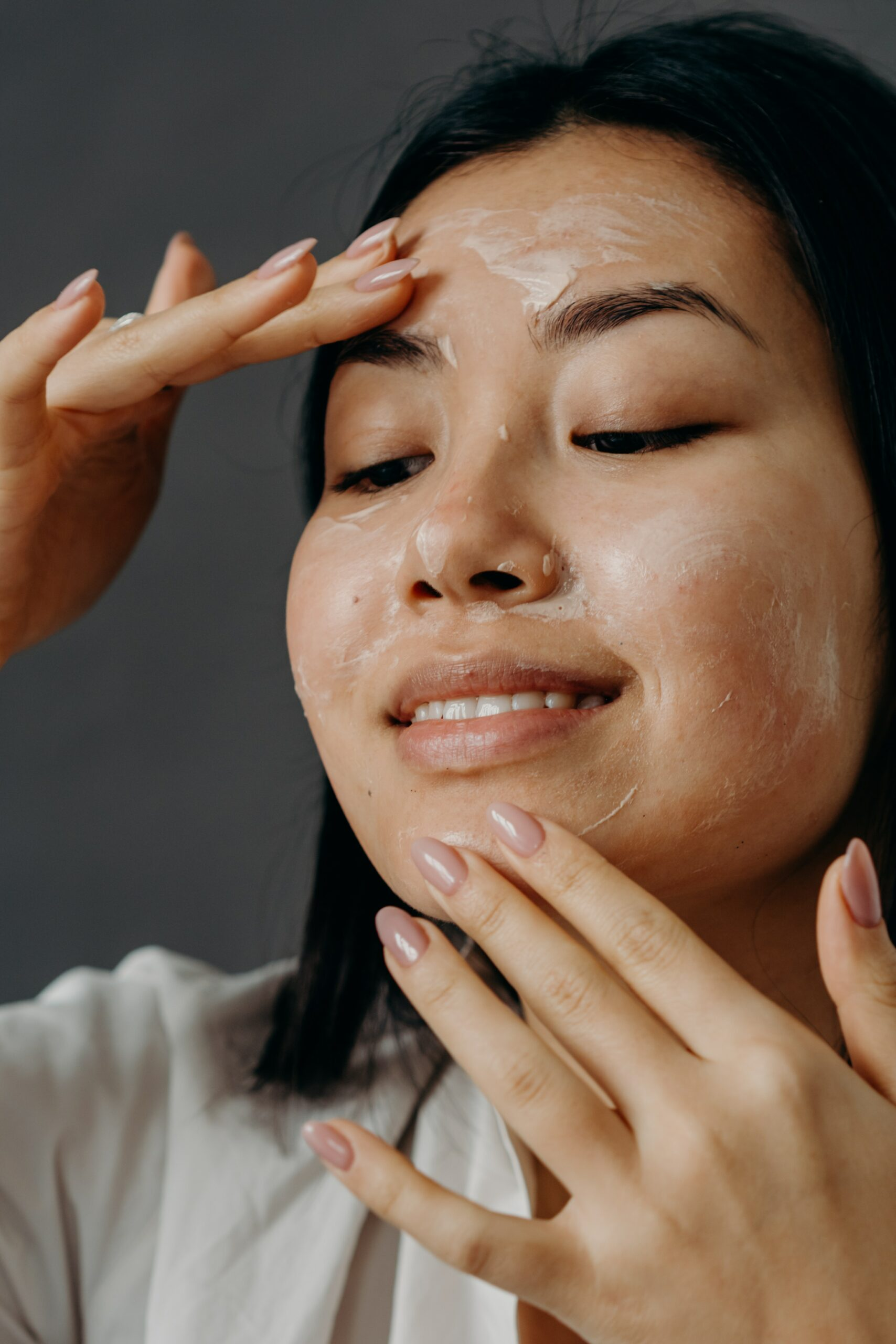 Exfoliate and wash your face frequently to treta fungal acne