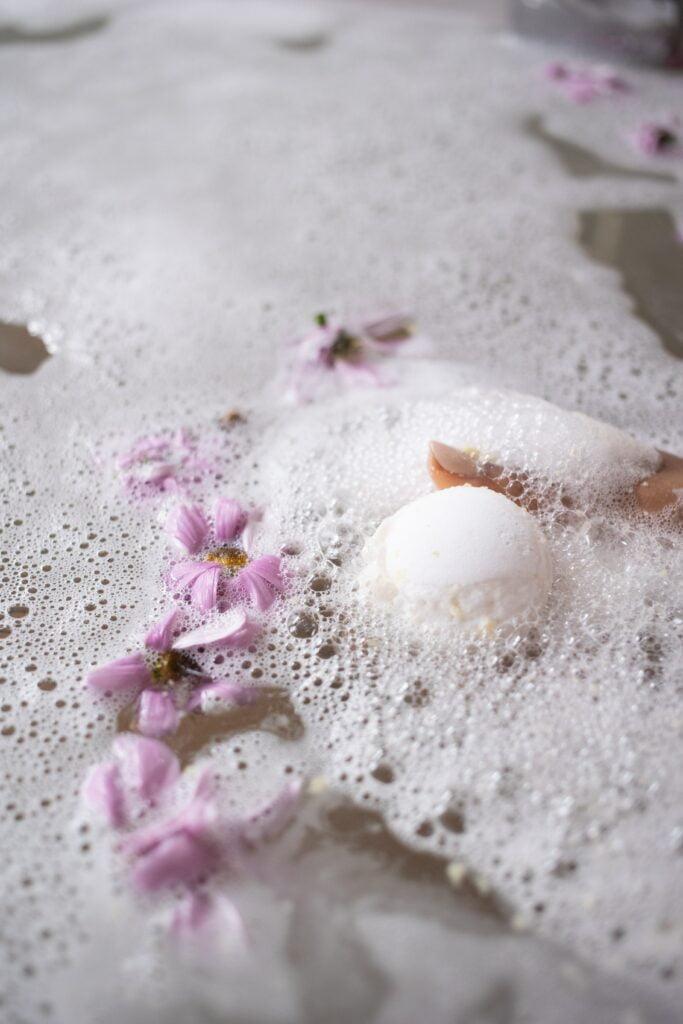 salt bath to cleanse nose piercings
