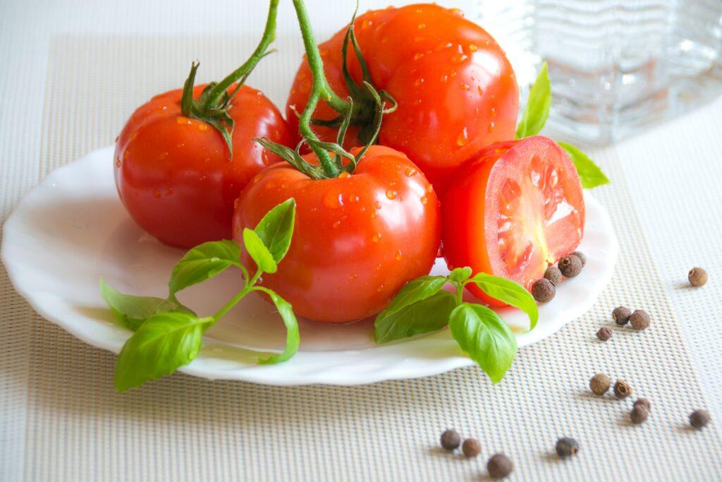 tomatoes help skin tone